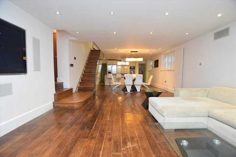 3 bedroom detached house for sale - Helena Lodge, Augusta Walk, Ealing