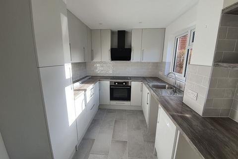 2 bedroom house to rent - Russell Road, Salisbury, SP2 7LR