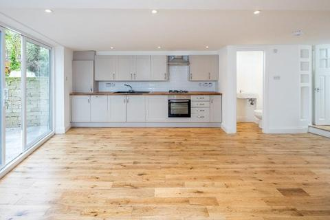 3 bedroom terraced house for sale - Lilford Road, London
