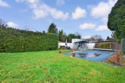 3 bedroom bungalow for sale - Cross Lane, Smallfield, Horley, Surrey