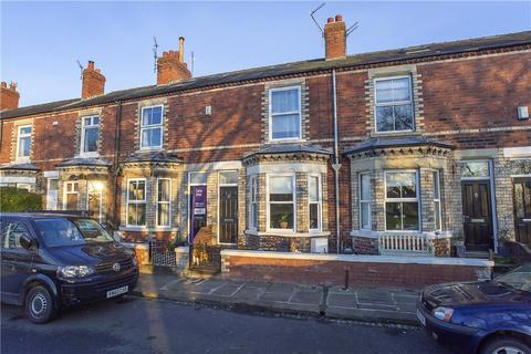 3 bedroom terraced house to rent - Knavesmire Crescent, York, YO23