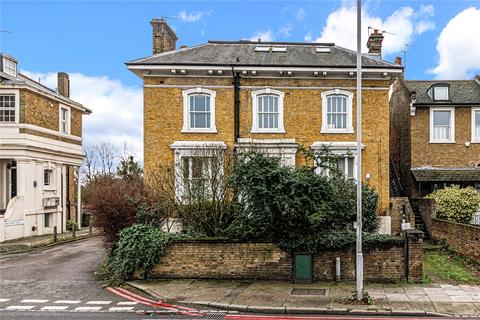 2 bedroom flat for sale - Shooters Hill Road, London, SE3