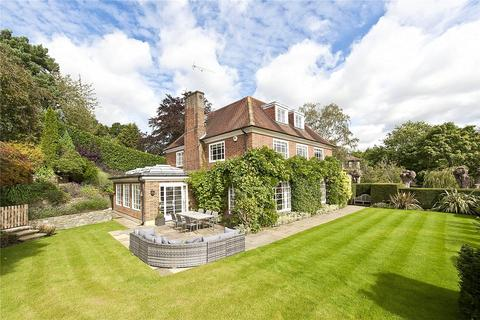 6 bedroom detached house - Clare Hill, Esher, Surrey, KT10