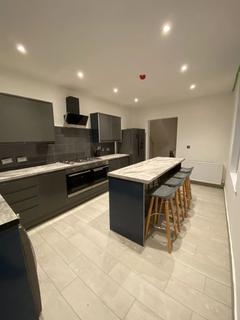 7 bedroom house to rent - *1 Double Room Available in Newly Renovated Student Property*