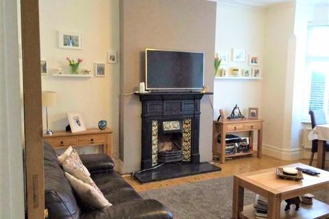 2 bedroom apartment to rent - Two Bed Flat to Rent