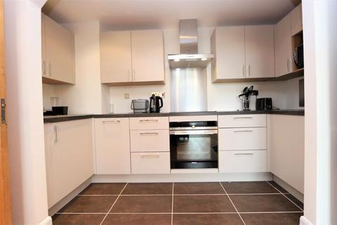 3 bedroom apartment to rent - Sydney Road, Enfield