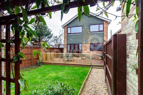 4 bedroom detached house for sale - Seathorpe Avenue, Minster on Sea