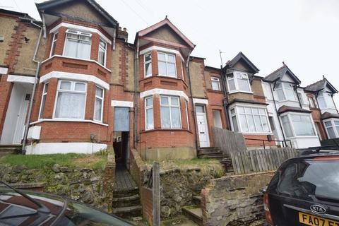 Studio to rent - Russell Rise, Luton