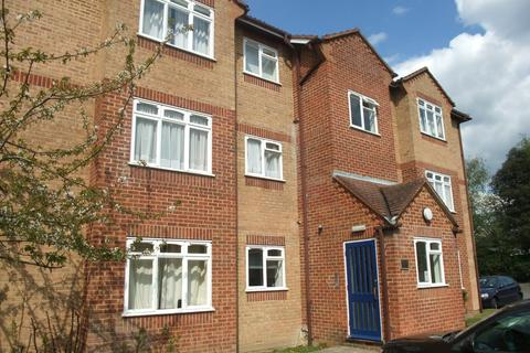 Studio to rent - Corfe Place, Maidenhead