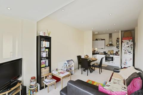 2 bedroom apartment for sale - Cherrywood Lodge, Birdwood Avenue, LONDON, SE13