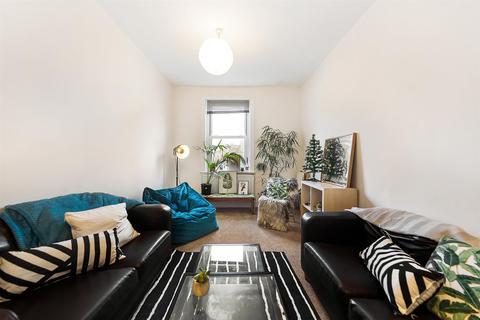 2 bedroom flat to rent - Acre Lane, SW2