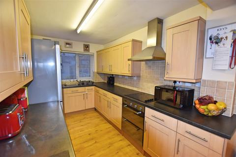 2 bedroom terraced house for sale - Moorhouse Road, Hull