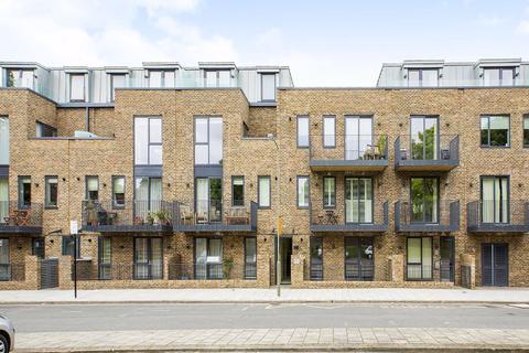 3 bedroom flat to rent - Westmoreland Apartments, Battersea, London, SW11