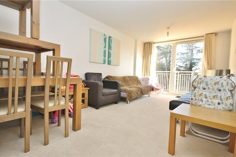 2 bedroom apartment to rent - Wooldridge Close, Feltham, Surrey, TW14