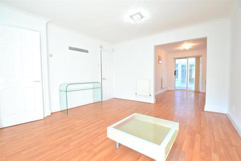 3 bedroom semi-detached house to rent - Partridge Close, Barnet, Herts