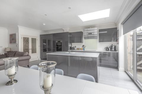 4 bedroom semi-detached house for sale - Pickhurst Lane, Hayes