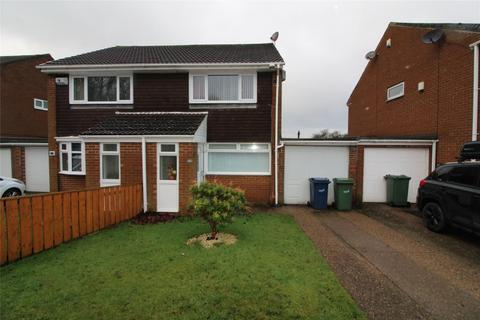 2 bedroom semi-detached house for sale - Fountains Close, Biddick, Washington, Tyne & Wear, NE38