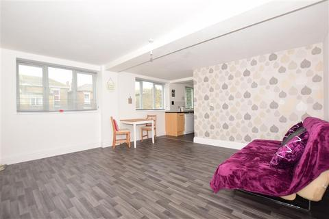 2 bedroom flat for sale - Dalby Square, Cliftonville, Margate, Kent