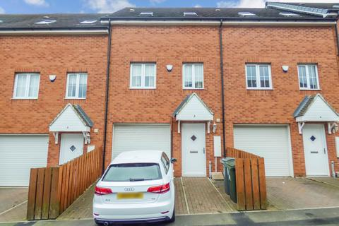 3 bedroom townhouse for sale - Highgate Terrace, North Shields, Tyne and Wear, NE29 6GL