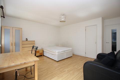 Studio to rent - Amsterdam Road, Docklands, London E14