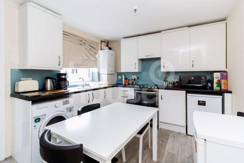2 bedroom semi-detached house for sale - Lovell Road, Minster on Sea