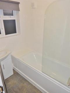 4 bedroom semi-detached house to rent - Dellfield Crescent, Uxbridge,