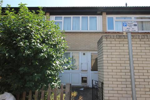 3 bedroom detached house to rent - Barchester Close, Uxbridge,