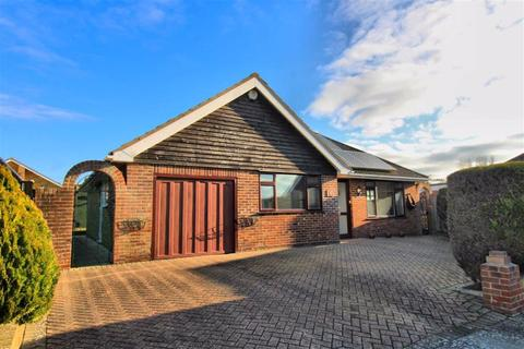 3 bedroom detached bungalow for sale - Stirling Close, Seaford, East Sussex