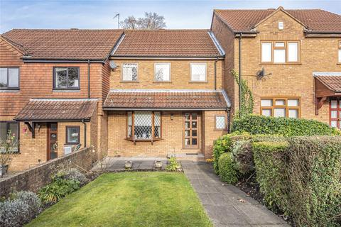 3 bedroom terraced house for sale - Woodhouse Eaves, Northwood, Middlesex, HA6