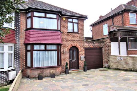 3 bedroom semi-detached house for sale - Crummock Gardens, Kingsbury, NW9