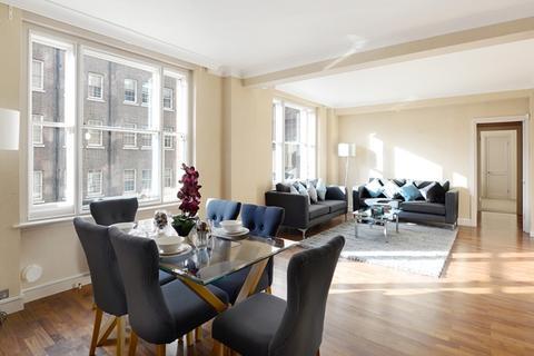 3 bedroom flat to rent - Hill Street W1