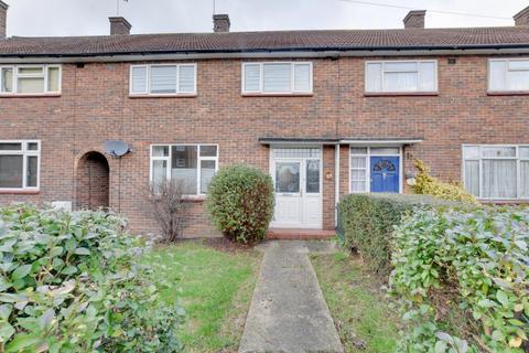 3 bedroom terraced house for sale - Myrtle Road, Harold Hill, Romford, Essex, RM3