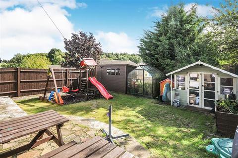 2 bedroom detached bungalow for sale - Hever Road, West Kingsdown, Sevenoaks, Kent