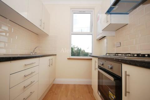 3 bedroom flat to rent - Perth Road, Wood Green