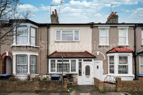 3 bedroom house for sale - Kimberley Road, London, N18