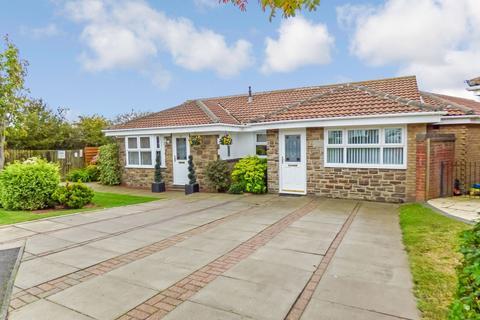 3 bedroom bungalow for sale - Barrington Park, Bedlington, Northumberland, NE22 7BZ