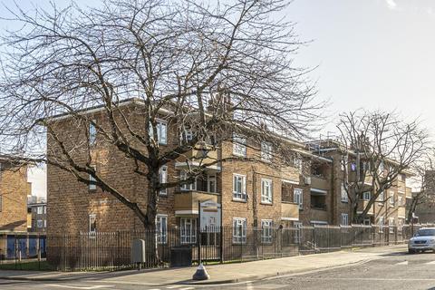 2 bedroom flat for sale - Elderfield Road, London, E5