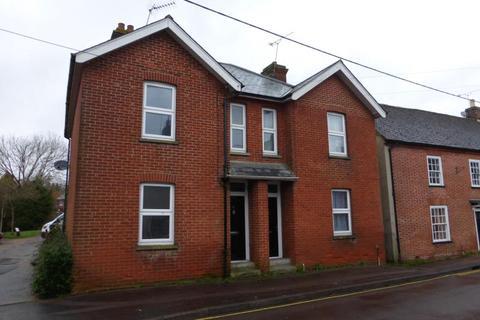2 bedroom semi-detached house to rent - Fordingbridge, Hampshire