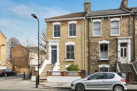 4 bedroom house for sale - Cecilia Road, Dalston
