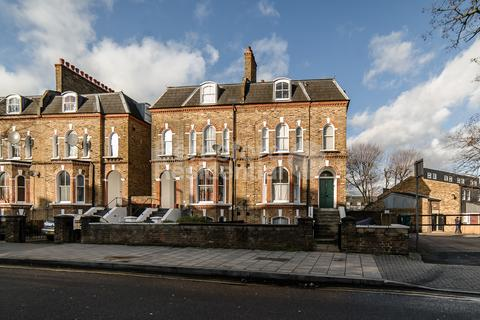 2 bedroom flat for sale - Loughborough Road, Brixton, SW9