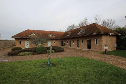 Office to rent - Rosewood Stud, Chippenham CB7