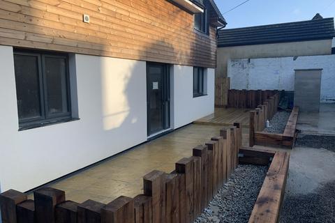 2 bedroom ground floor flat to rent - Tresooth Lane, Penryn