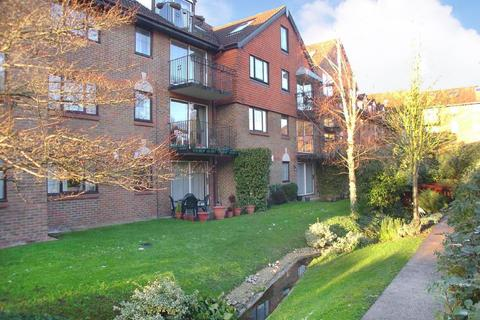 3 bedroom apartment to rent - Purley