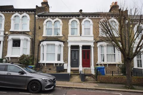 3 bedroom flat for sale - Crofton Road Camberwell SE5