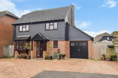 4 bedroom detached house for sale - Riverside Close , Kingsnorth