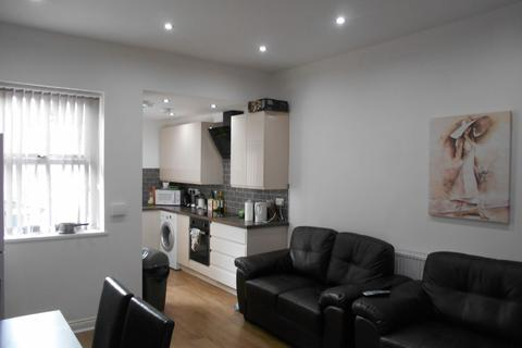 4 bedroom house share to rent - 13a Langdon Street