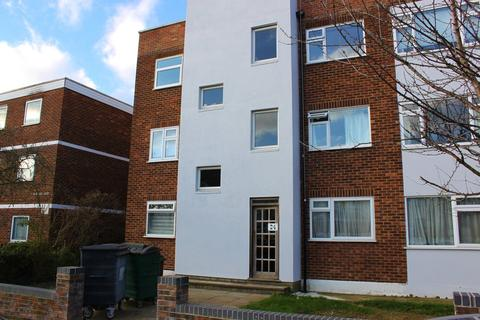 2 bedroom flat to rent - Heathcote Grove, London