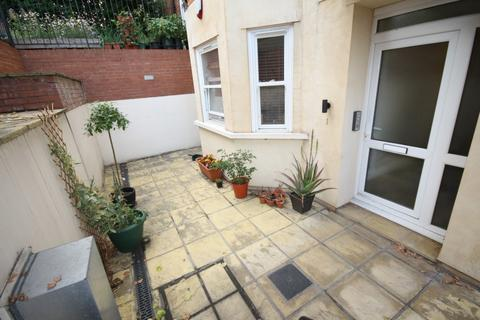 1 bedroom flat to rent - Brownhill Road, London, SE6