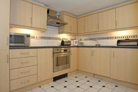 3 bedroom apartment to rent - Prescot Street, London, E1
