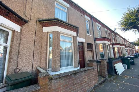 4 bedroom terraced house to rent - Hugh Road , Lower Stoke, Coventry